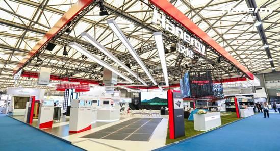 汉能高端装备制造彰显硬实力 主导光伏产业技术自立
